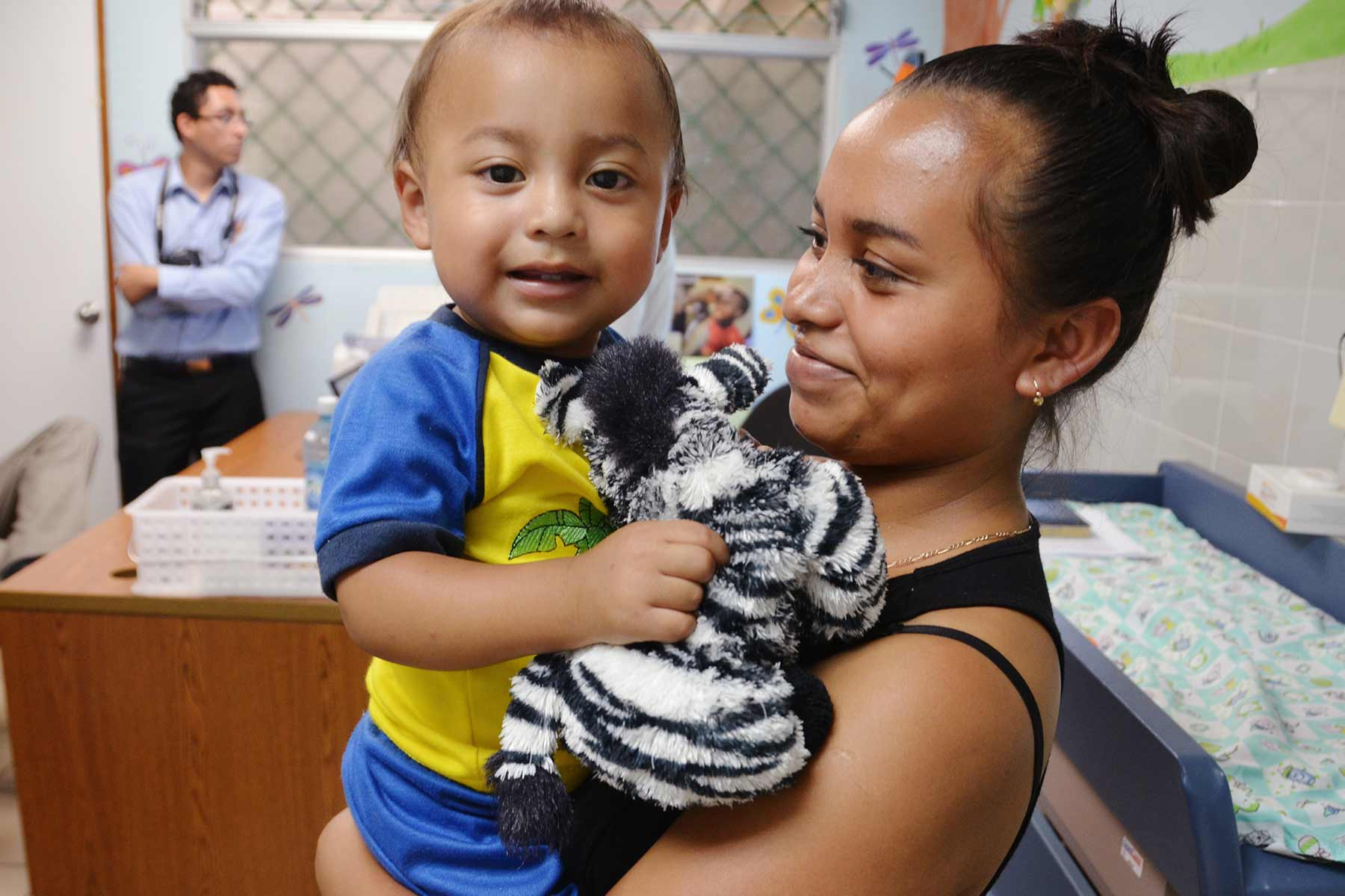 Mother and child at the El Salvador clinic