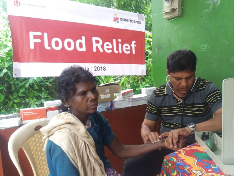 Health Camp in Kerala treating patients after floods