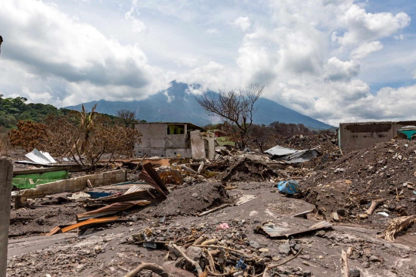 We hate the destructive and deadly pyroclastic flows from volcanoes. The gases and ash from Fuego, in Guatemala, killed more than 100 people and displaced thousands in June 2018. Photo by William Vazquez.