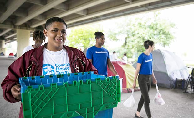 Staff and volunteers from Covenant House Texas provide outreach services to the homeless in Houston with support from Americares Hurricane Harvey Relief Program.