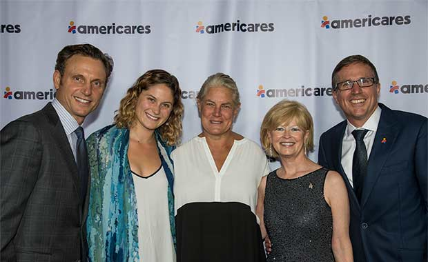 From left to right: Tony Goldwyn, Tess Goldwyn, Jane Musky, Sandy Nyenhuis and Americares President and CEO Michael J. Nyenhuis at the 2017 Americares Airlift Benefit.